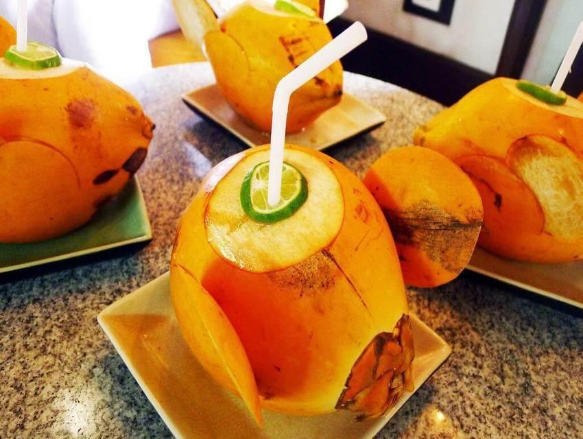 King-Coconut-Fresh-Water-2.jpg
