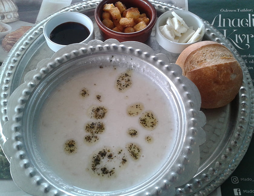 Tarhana_soup-min.jpg