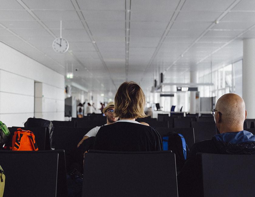 eople-airport-min.jpg