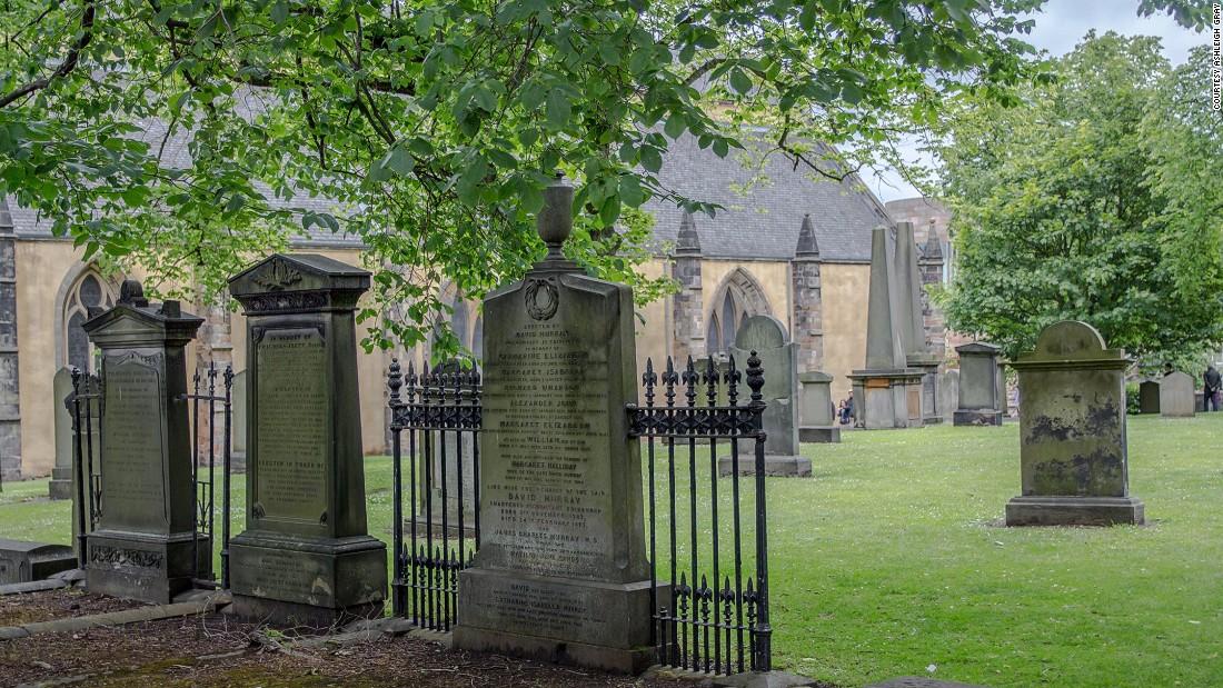 greyfriars-graveyard---1-super-169.jpg