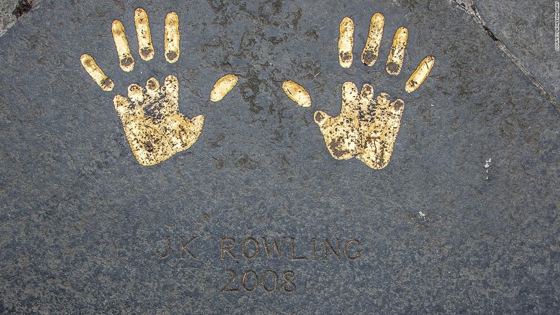 handprints---3-super-169.jpg